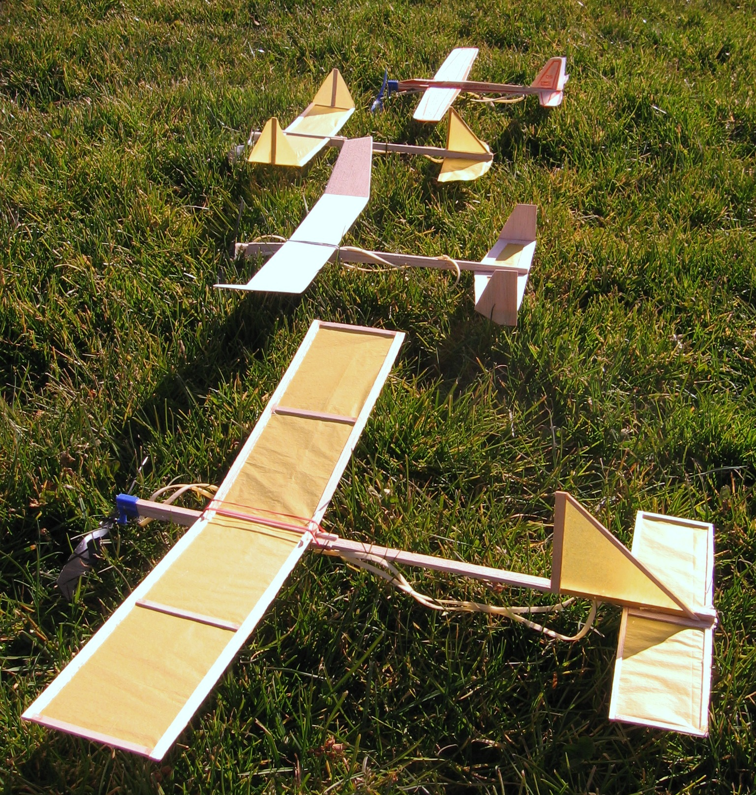balsa wood airplane designs for distance flight